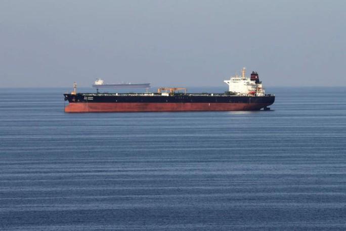 Iran khoe giúp tàu chở dầu nước ngoài ở eo biển Hormuz - Ảnh 1.