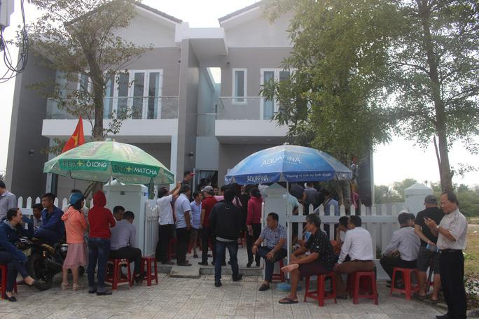 Ban giải thể, hòa cả làng: Chủ tịch Quảng Nam yêu cầu làm rõ trách nhiệm - Ảnh 1.