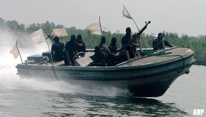 Cướp biển bắt 10 thủy thủ Thổ Nhĩ Kỳ âm mưu tống tiền?  - Ảnh 1.