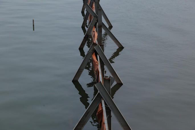 Nước hồ Tây đổi màu sau thí điểm công nghệ Nhật Bản - Ảnh 6.