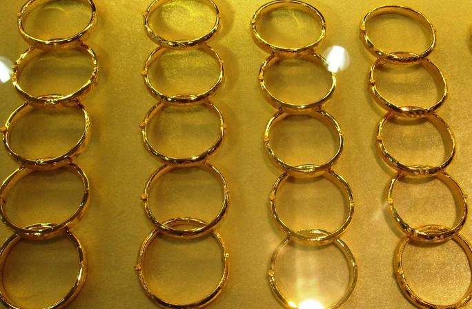 Giá vàng nhẫn tăng mạnh, lên xấp xỉ 40 triệu đồng/lượng - Ảnh 1.