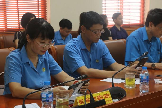 Tổng LĐLĐ Việt Nam tổ chức hội nghị không phát tài liệu bằng giấy - Ảnh 10.