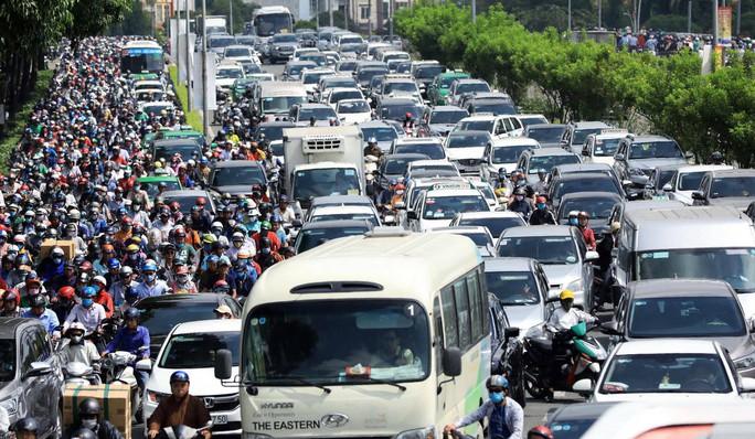 Thu phí giao thông, có giảm được kẹt xe khu trung tâm TP HCM? - Ảnh 1.