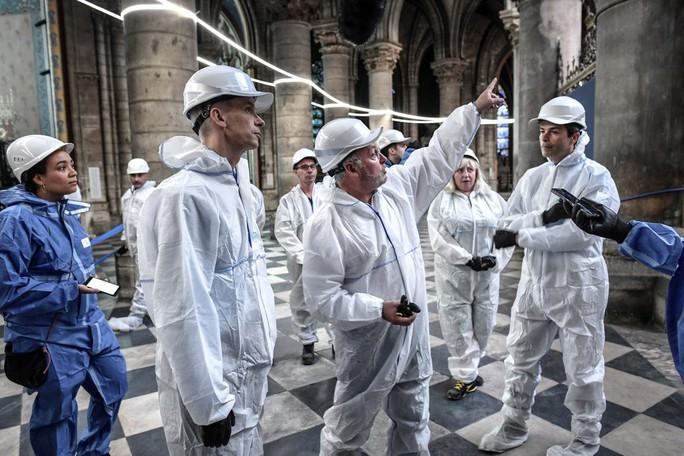 Nhà thờ Đức Bà Paris vẫn chưa đủ an toàn để được trùng tu - Ảnh 3.