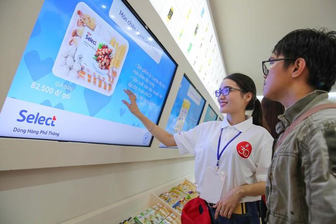 Khám phá bên trong siêu thị ảo đầu tiên tại Việt Nam - Ảnh 4.