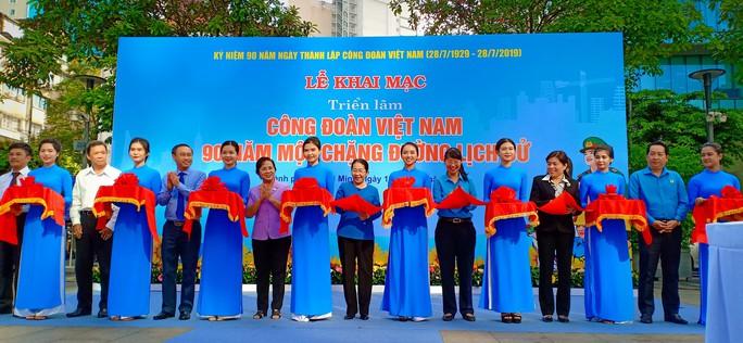 Khai mạc triển lãm Công đoàn Việt Nam-90 năm một chặng đường lịch sử - Ảnh 1.