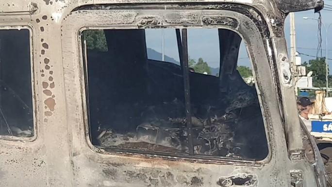 CLIP: Xe ben tông thẳng xe bồn, lửa bốc dữ dội, 2 người bị thiêu cháy trong cabin - Ảnh 9.
