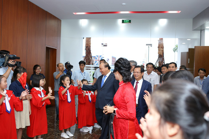 Thủ tướng ấn tượng với Thành phố Giáo dục quốc tế - IEC Quảng Ngãi - Ảnh 1.