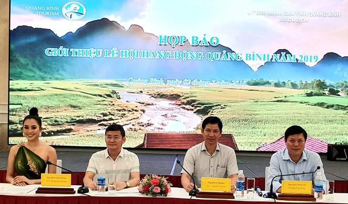 Hoa hậu Trần Tiểu Vy làm Đại sứ Lễ hội Hang động Quảng Bình năm 2019 - Ảnh 1.