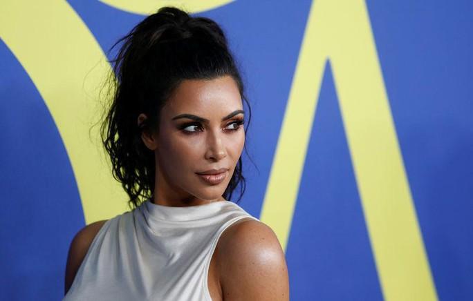 Kim Kardashian đặt tên mẫu nội y là Kimono, người Nhật phản ứng - Ảnh 1.