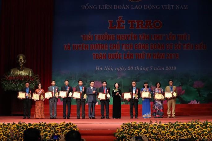 Chủ tịch Tổng LĐLĐ Việt Nam được trao Giải thưởng Nguyễn Văn Linh - Ảnh 2.