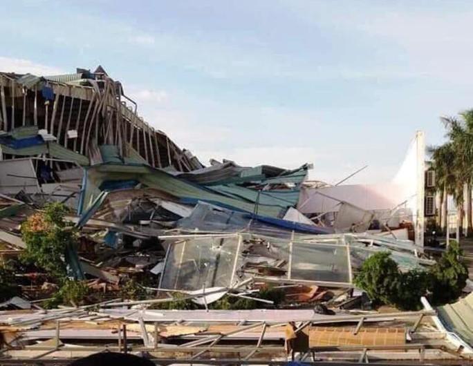 Giông lốc lớn làm đổ sập nhà xưởng của công ty Ivory Việt Nam có 3.000 công nhân - Ảnh 2.
