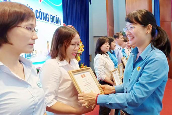 Nhiều hoạt động kỷ niệm ngày thành lập Công đoàn Việt Nam - Ảnh 1.