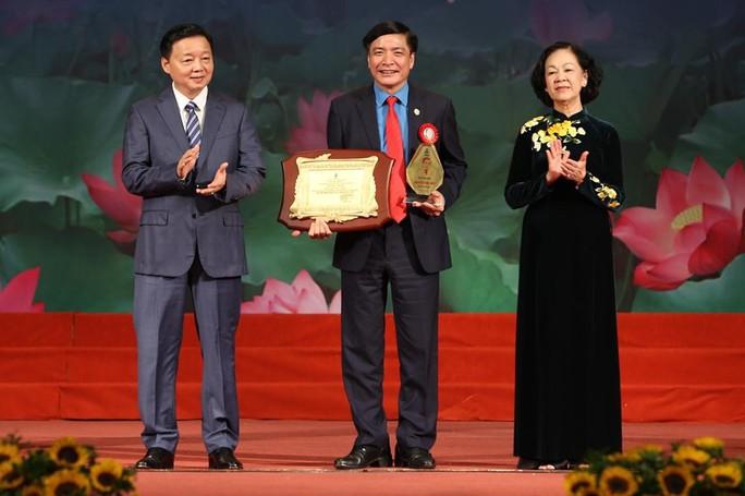 Chủ tịch Tổng LĐLĐ Việt Nam được trao Giải thưởng Nguyễn Văn Linh - Ảnh 1.