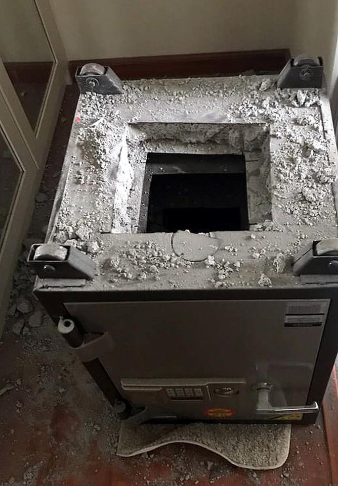 Tổng giám đốc công ty báo mất hơn 8 tỉ đồng trong căn hộ ở Ciputra - Ảnh 2.