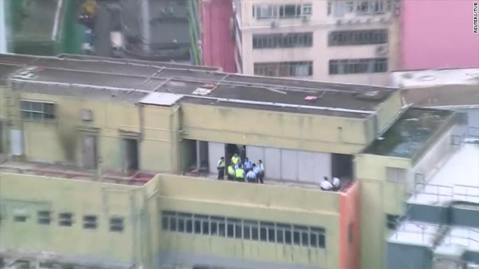 Hàng chục ngàn người Hồng Kông lại xuống đường biểu tình - Ảnh 3.