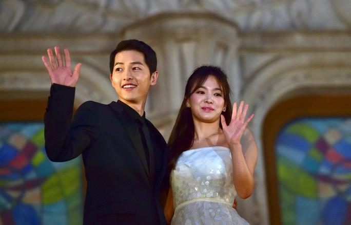 Song Joong Ki và Song Hye Kyo chính thức ly hôn - Ảnh 1.