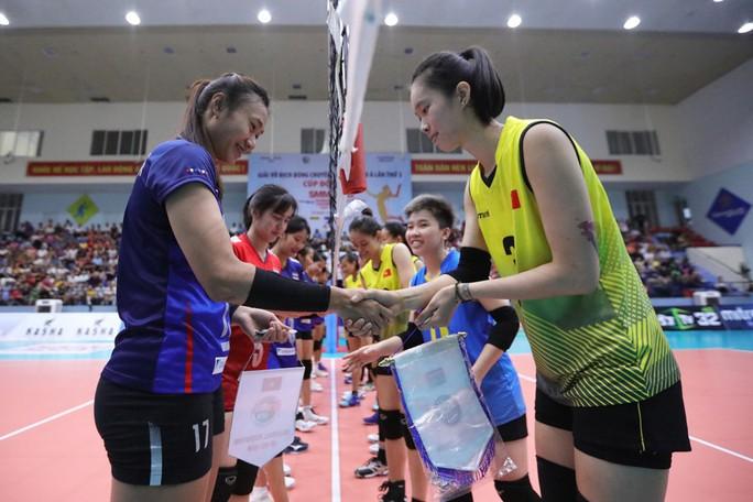 Bóng chuyền U23 Việt Nam ngược dòng hạ Thái Lan, giành HCĐ châu Á - Ảnh 1.