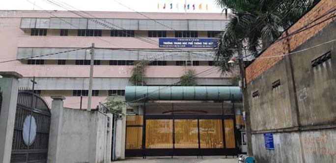 Trường THPT Thủ Đức bị tố nợ gần 7 tỉ đồng - Ảnh 1.