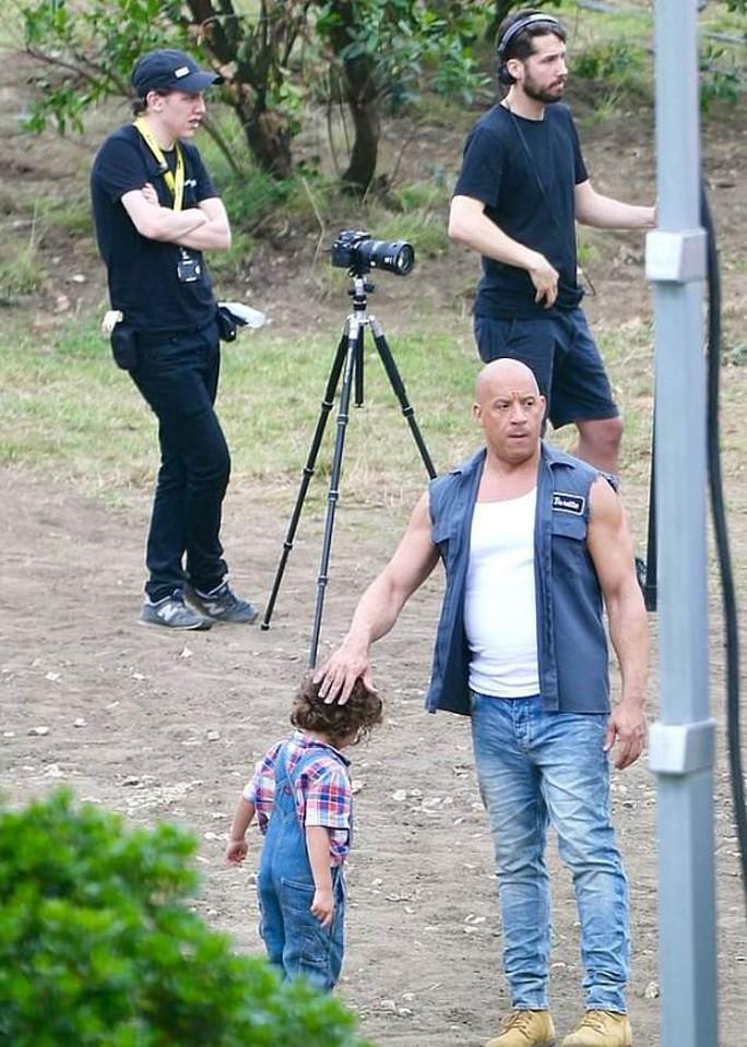 Tài tử Vin Diesel khóc khi diễn viên đóng thế gặp nạn - Ảnh 1.