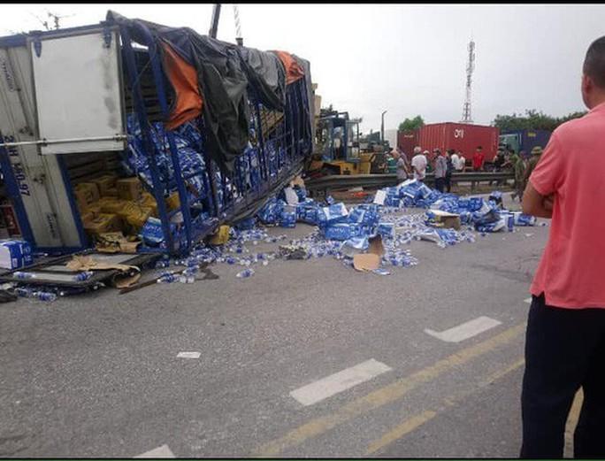 Tai nạn giao thông thảm khốc ở Hải Dương, ít nhất 5 người thiệt mạng - Ảnh 5.