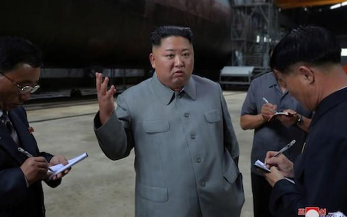 Triều Tiên âm thầm chế tạo tàu ngầm uy lực? - Ảnh 2.