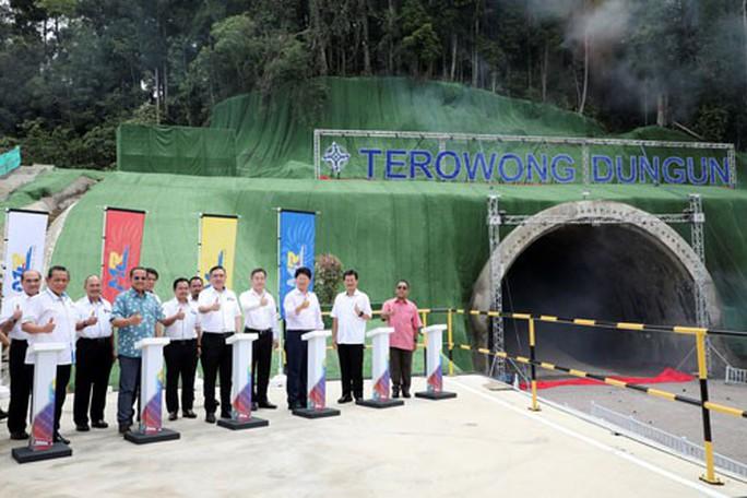 Malaysia - Trung Quốc hồi sinh dự án đường sắt gây tranh cãi - Ảnh 1.