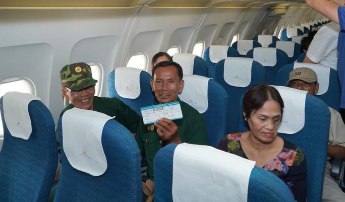 Hành trình đặc biệt tới Hà Nội của cựu tù Côn Đảo và thương binh chiến trường Campuchia - Ảnh 13.