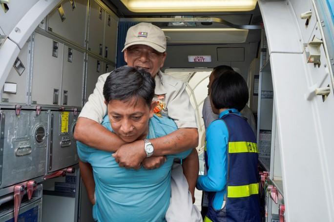 Hành trình đặc biệt tới Hà Nội của cựu tù Côn Đảo và thương binh chiến trường Campuchia - Ảnh 17.