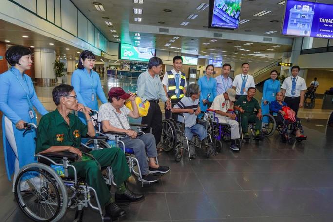 Hành trình đặc biệt tới Hà Nội của cựu tù Côn Đảo và thương binh chiến trường Campuchia - Ảnh 21.