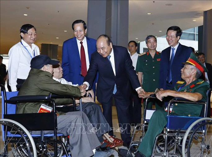 Thủ tướng dự hội nghị tuyên dương 500 thương binh nặng tiêu biểu toàn quốc - Ảnh 6.