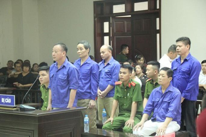 Tòa tuyên phạt ông trùm Hưng kính mức án thấp hơn đề nghị của VKS - Ảnh 1.
