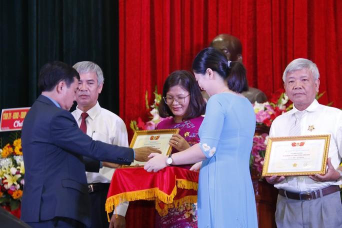 QUẢNG NAM: 7 cá nhân được trao tặng giải thưởng Huỳnh Ngọc Huệ - Ảnh 4.
