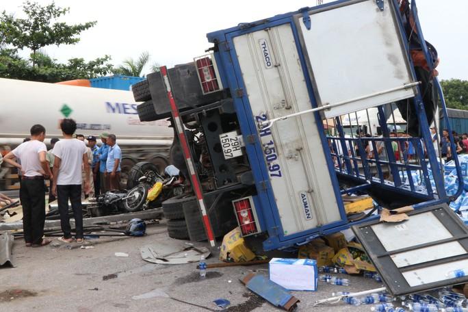 Bắt tạm giam tài xế gây tai nạn thảm khốc khiến 7 người thương vong ở Hải Dương - Ảnh 2.