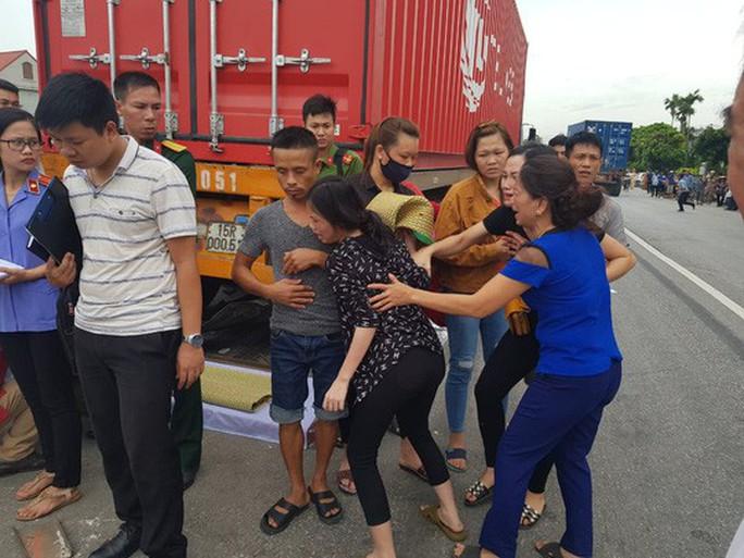 Bắt tạm giam tài xế gây tai nạn thảm khốc khiến 7 người thương vong ở Hải Dương - Ảnh 1.