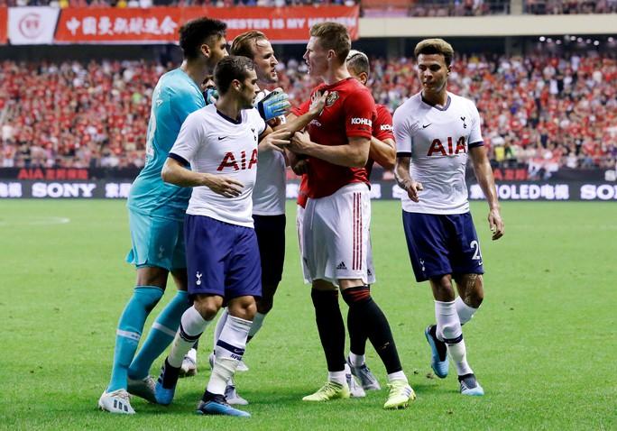 Man United đấu võ đài, hạ gục Tottenham ở Thượng Hải - Ảnh 4.