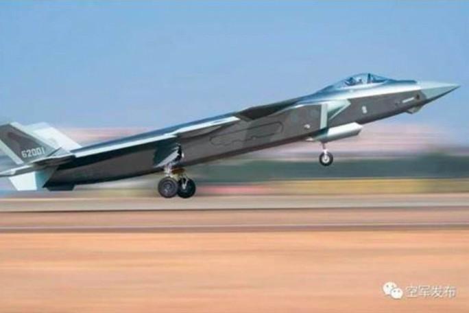 Trung Quốc triển khai chiến đấu cơ, thách thức Mỹ ở eo biển Đài Loan   - Ảnh 1.