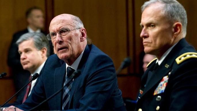 Giám đốc tình báo Mỹ bất ngờ từ chức - Ảnh 1.