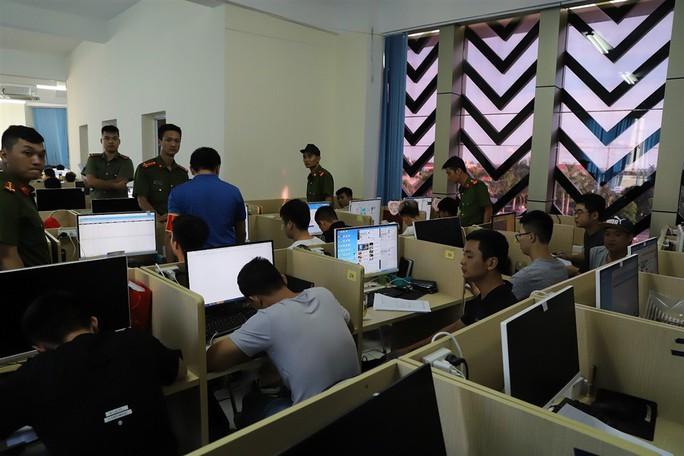 Bộ Công an lên tiếng vụ hơn 380 người Trung Quốc tổ chức đánh bạc hơn 10.000 tỉ đồng - Ảnh 1.