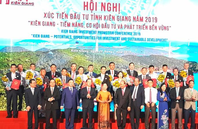 Thủ tướng Nguyễn Xuân Phúc dự Hội nghị Xúc tiến đầu tư tỉnh Kiên Giang - Ảnh 1.