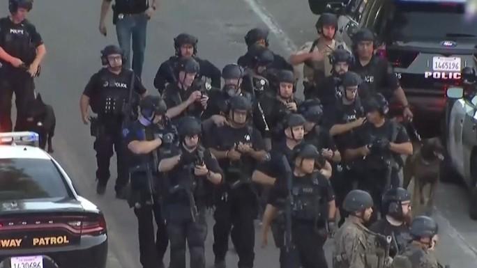 Xả súng tại lễ hội ẩm thực lớn nhất nước Mỹ - Ảnh 3.