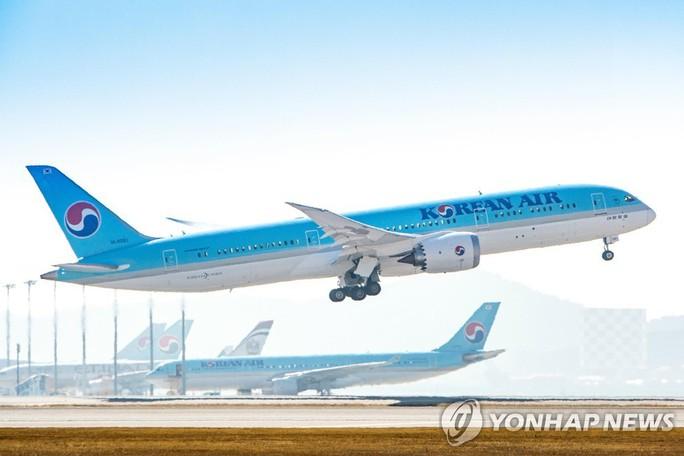 Hàn Quốc cắt giảm chuyến bay đến Nhật đẩy căng thẳng lên cao - Ảnh 1.