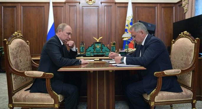 Ông Putin tiết lộ thân phận tàu ngầm bị cháy - Ảnh 1.