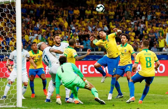 Messi tái xuất, Argentina hạ Brazil, đoạt cúp siêu kinh điển Nam Mỹ - Ảnh 3.