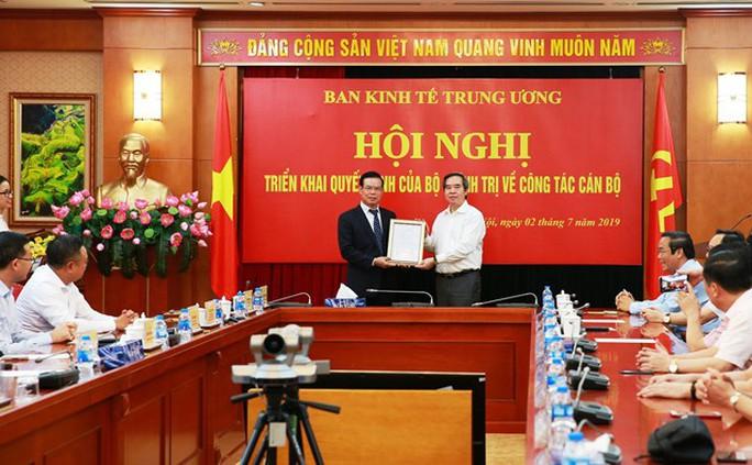 Bí thư Hà Giang Triệu Tài Vinh làm Phó Ban Kinh tế Trung ương - Ảnh 1.