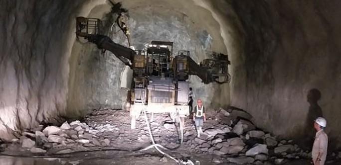 Hầm Hải Vân 2 sắp về đích - Ảnh 1.