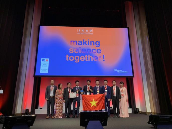Việt Nam giành 2 huy chương vàng, 2 huy chương bạc Olympic Hoá học quốc tế - Ảnh 2.