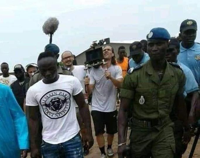 Sao Liverpool hủy kỳ nghỉ hè, xây trường học và bệnh viện ở Senegal - Ảnh 5.