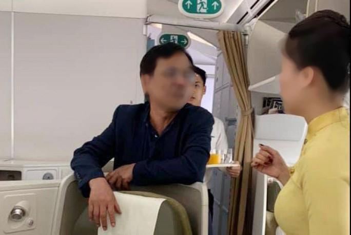 Vụ khách thương gia bị tố sàm sỡ trên máy bay dưới góc nhìn luật sư - Ảnh 1.