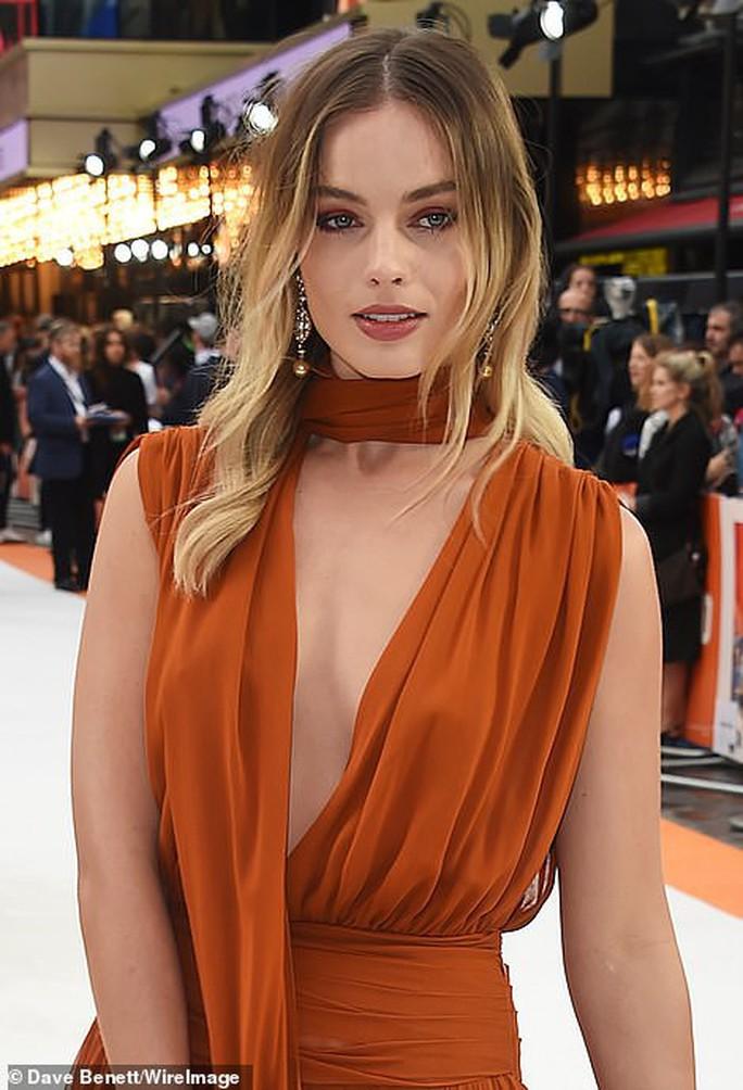 Bông hồng Margot Robbie đẹp thiêu đốt ánh nhìn - Ảnh 3.